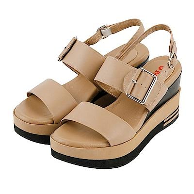 BESO 簡約玩美 全真皮寬版一字帶釦環厚底涼鞋~卡其