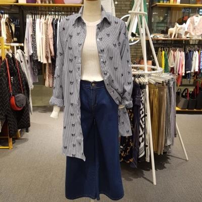 La Belleza滿版小法鬥印花深藍條紋下擺開叉長版襯衫