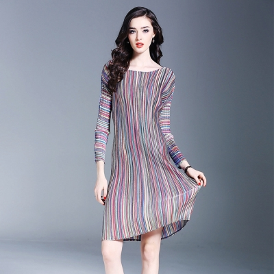 歐美彩色條紋圓領壓摺連衣裙-糖潮