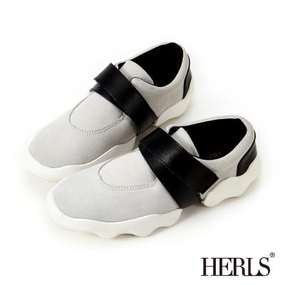 HERLS-街頭時尚 真皮交叉面帶造型休閒鞋-灰色