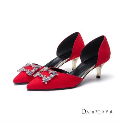 達芙妮DAPHNE 高跟鞋-方型鑽飾絨布中空尖頭鞋-紅