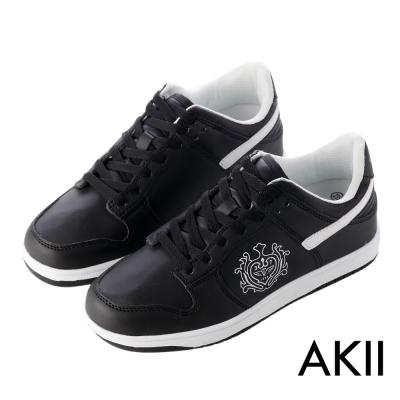AKII韓國空運-皇家徽章內增高休閒鞋-黑色