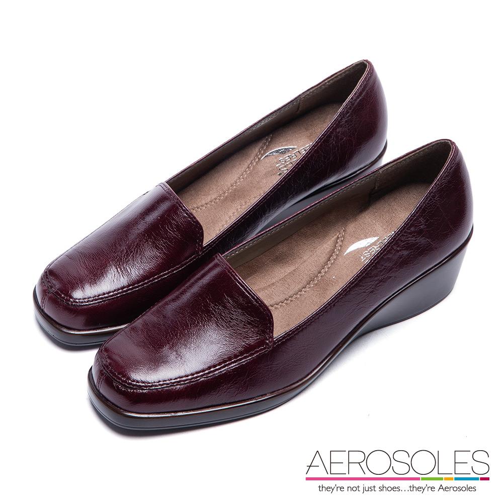 AEROSOLES 舒適首選簡約素雅真皮楔型樂福鞋~酒紅