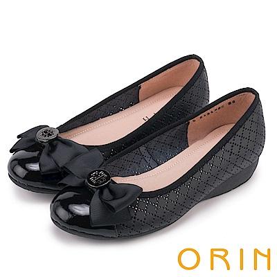 ORIN 時尚甜心 圓型飾釦蝴蝶結牛皮娃娃鞋-洞洞黑