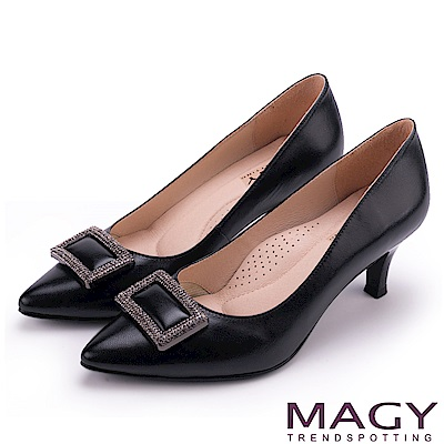 MAGY 都會時尚款 大女人方型鑽飾羊皮尖頭高跟鞋-黑色