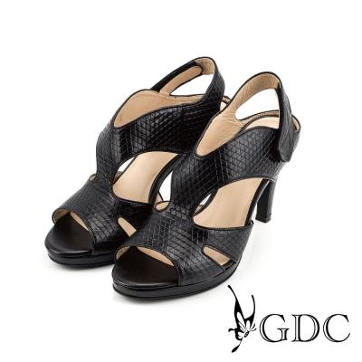GDC-都會性感三角壓紋魔鬼沾真皮高跟羅馬涼鞋-黑色