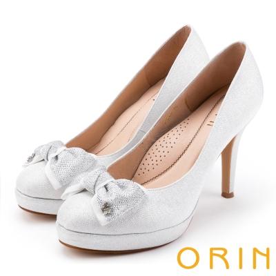 ORIN 晚宴婚嫁首選 夢幻珠光蝴蝶結高跟鞋-銀白