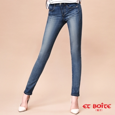 ETBOITE 箱子 BLUE WAY 全方位美型計畫-魔力骨感美線中腰窄直褲-淺藍
