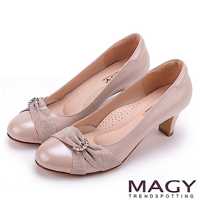 MAGY 氣質首選 典雅鑽環金蔥羊皮中跟鞋-粉色