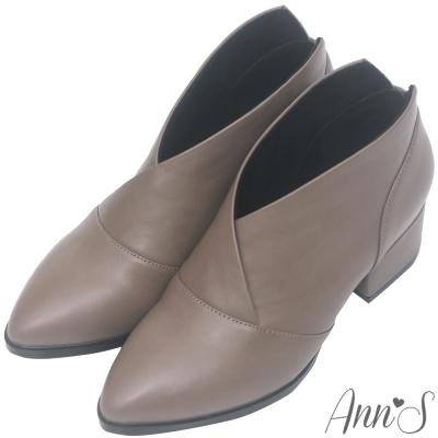 Ann'S焦糖蜜語-前交叉極致V低跟尖頭短靴-灰