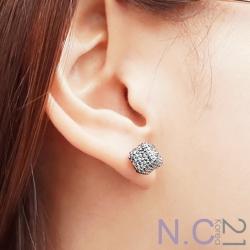 N.C21-正韓 亮鑽立方體耳針式耳環(黑色)