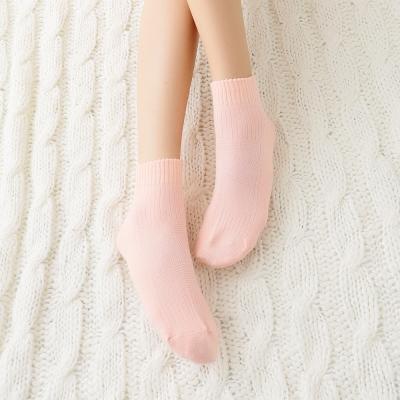 蒂巴蕾Fashion  socks 1/2女襪-壓紋素色