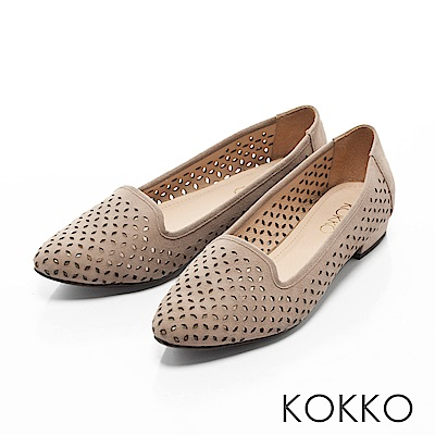 KOKKO-都會時尚尖頭麂皮沖孔樂福鞋 - 杏暖沙