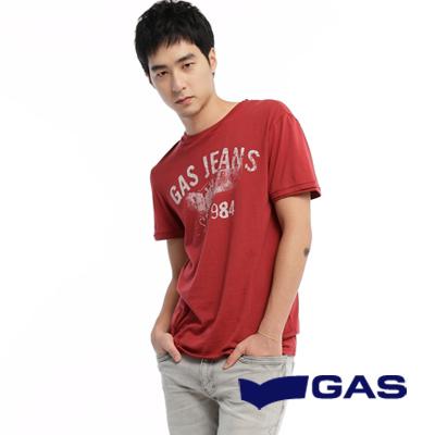GAS-簡約低調-二手印花感設計短袖圓領T恤-暗紅-男款