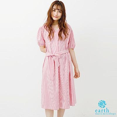 earth music 直條紋蝴蝶綁結打摺V領連身洋裝