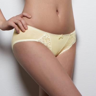 可蘭霓Clany  舒活蕾絲透氣M-XL內褲 初暮黃