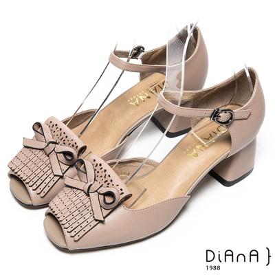 DIANA 摩登時尚--流蘇蝴蝶結真皮瑪莉珍魚口跟鞋-灰