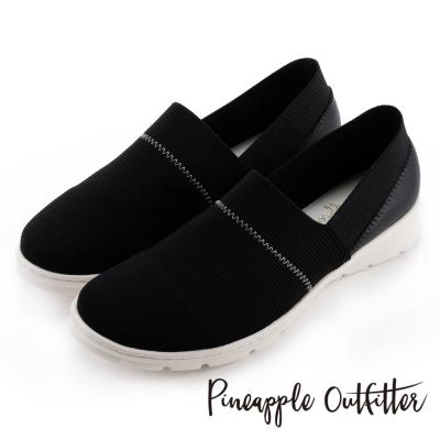 Pineapple Outfitter 輕盈首選  彈性布料拼接牛皮平底休閒鞋-黑色