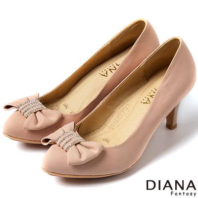 DIANA-超厚切焦糖美人款-水鑽蝴蝶結真皮跟鞋
