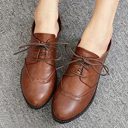 雕花沖孔復古綁帶低跟牛津鞋