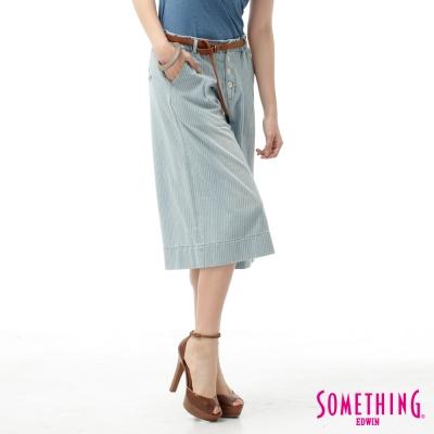 SOMETHING 微漫步調BAGGY七分牛仔褲-女-重漂藍