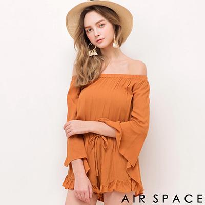 AIR-SPACE-甜美荷葉滾邊一字領連身短褲-卡其