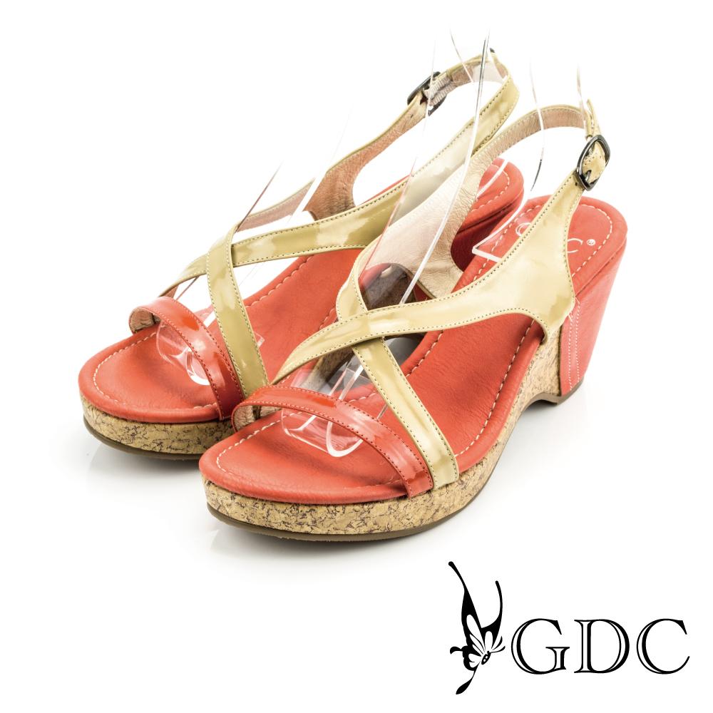 GDC-簡約雙帶撞色交叉軟木塞楔型鞋-杏色