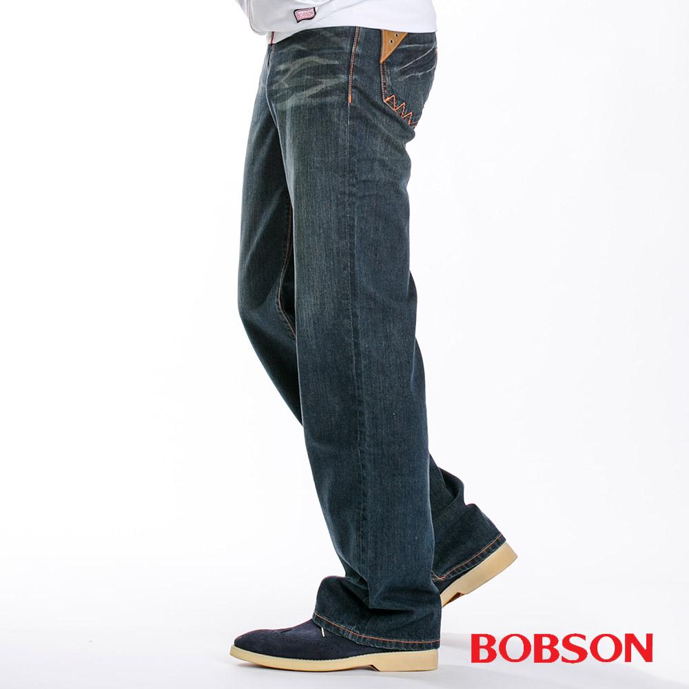 【BOBSON】男款皮革口袋中直筒牛仔褲(藍52)
