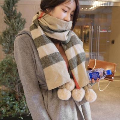 梨花HaNA-韓國格紋風華獺兔毛球球圍巾大披肩