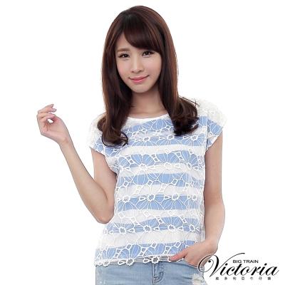 Victoria 透視花朵印條寬鬆落肩短袖T-女-白底藍條