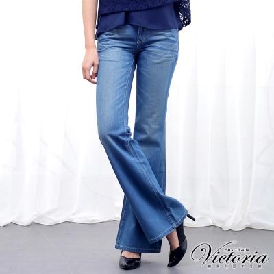 Victoria 男友寬靴型褲-女-中藍