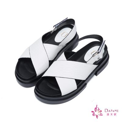 達芙妮x高圓圓-圓漾系列玩味撞色寬帶交叉後拉帶厚底涼鞋-蛇紋白