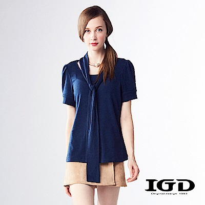 IGD英格麗 造型圍巾領口設計修身針織上衣-深藍