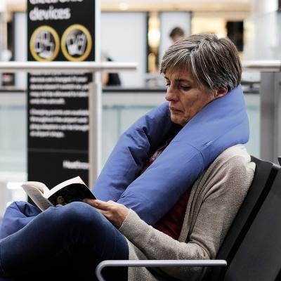 Huzi Infinity Pillow 百變頸枕/靠枕(藍)女人我最大強力推薦