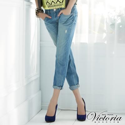 Victoria 天絲棉波浪配線男友褲-女-淺藍