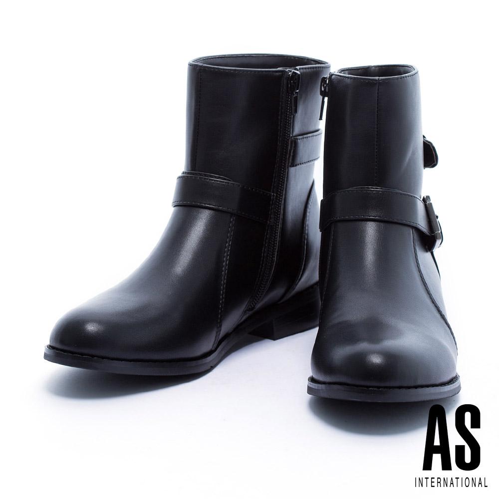 短靴 AS 獨特反扣金屬繫帶造型俐落剪裁粗跟短靴-黑