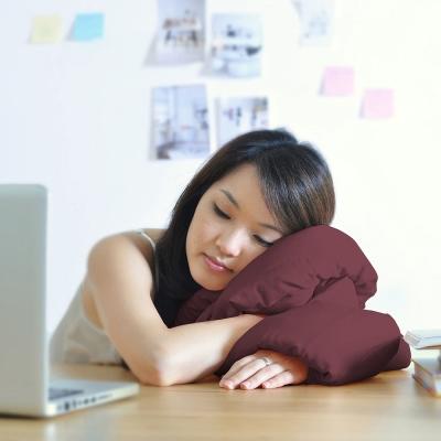 Infinity Pillow 百變頸枕/靠枕(酒紅色)女人我最大強力推薦