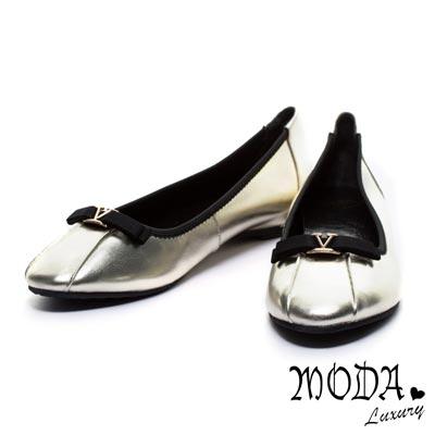 娃娃鞋MODA Luxury 金屬V形字母裝飾蝴蝶結牛皮娃娃鞋-金