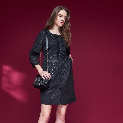 ICHE衣哲 精緻質感幾何立體提花七分袖造型禮服洋裝-黑
