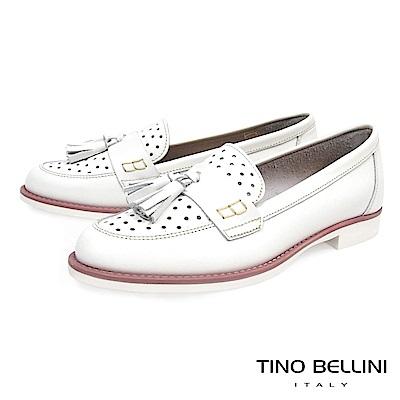 Tino Bellini 義大利進口沖孔流蘇樂福鞋_ 白