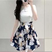 拼接花朵傘狀連身洋裝