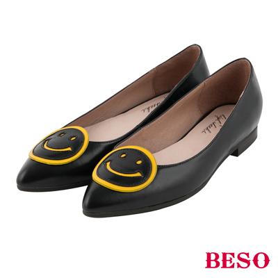 BESO 愜意輕恬 雙拼色彩立體笑臉低跟鞋~黑