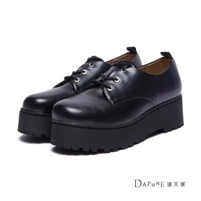 達芙妮DAPHNE-牛津鞋-金屬仿舊刷色綁帶厚底牛津鞋-黑8H