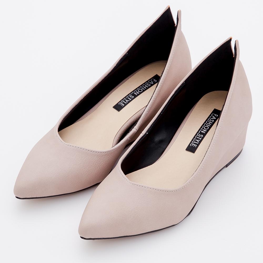 River&Moon-輕熟知性後開岔素面美形楔型尖頭鞋-米杏