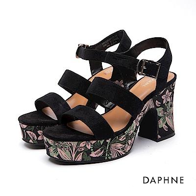 達芙妮DAPHNE 涼鞋-絨面繡花厚底高跟涼鞋-黑