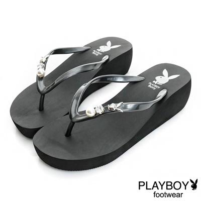 PLAYBOY迷人嬌點 水鑽珍珠厚底夾腳拖鞋-黑(女)