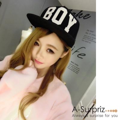 A-Surpriz  BOY字母圖騰夜光棒球帽(黑)