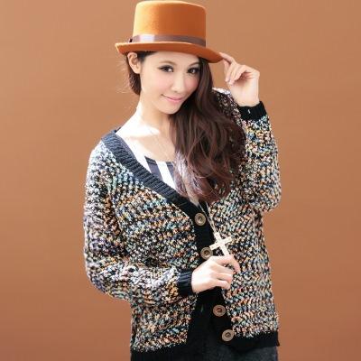 【La Belleza】七彩蠟筆‧V領多彩混色配色銅扣針織毛衣外套