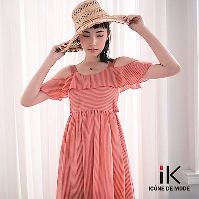 iK-小性感露肩荷葉袖度假風傘擺長洋裝