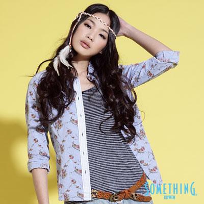 【SOMETHING】鄉村微漫 拼色印花襯衫-女款(牛仔藍)